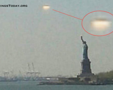 Giant UFO Hovers Over Statue Of Liberty